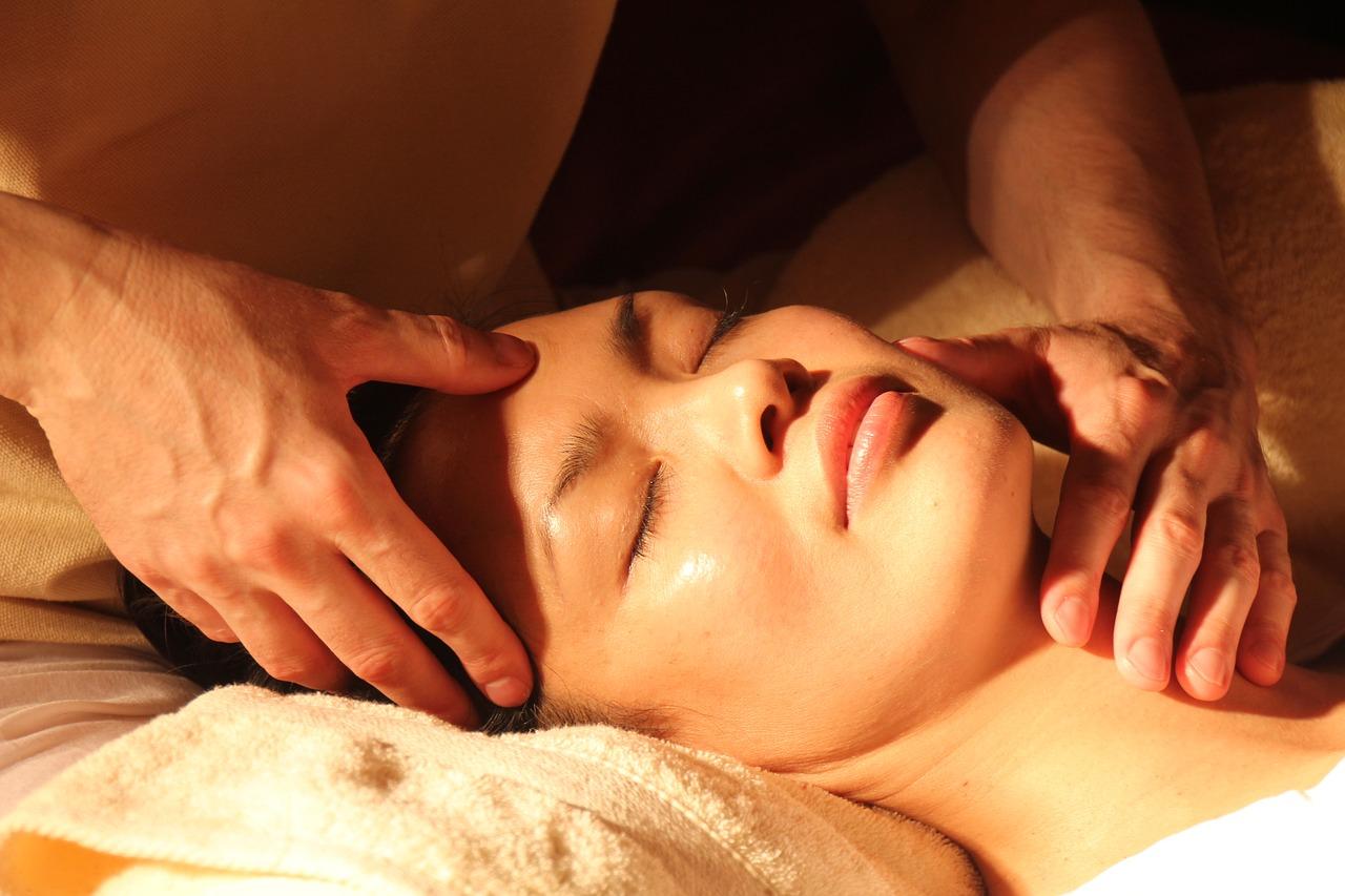 I benefici della sauna facciale