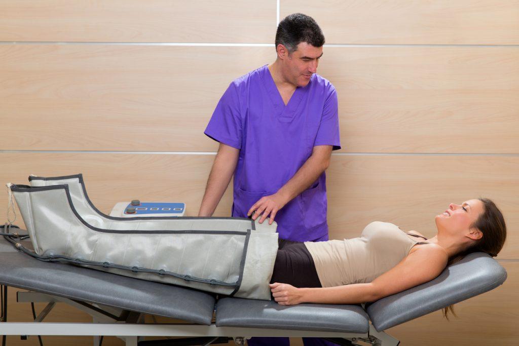 È meglio sottoporsi a pressoterapia o cavitazione per combattere la cellulite?